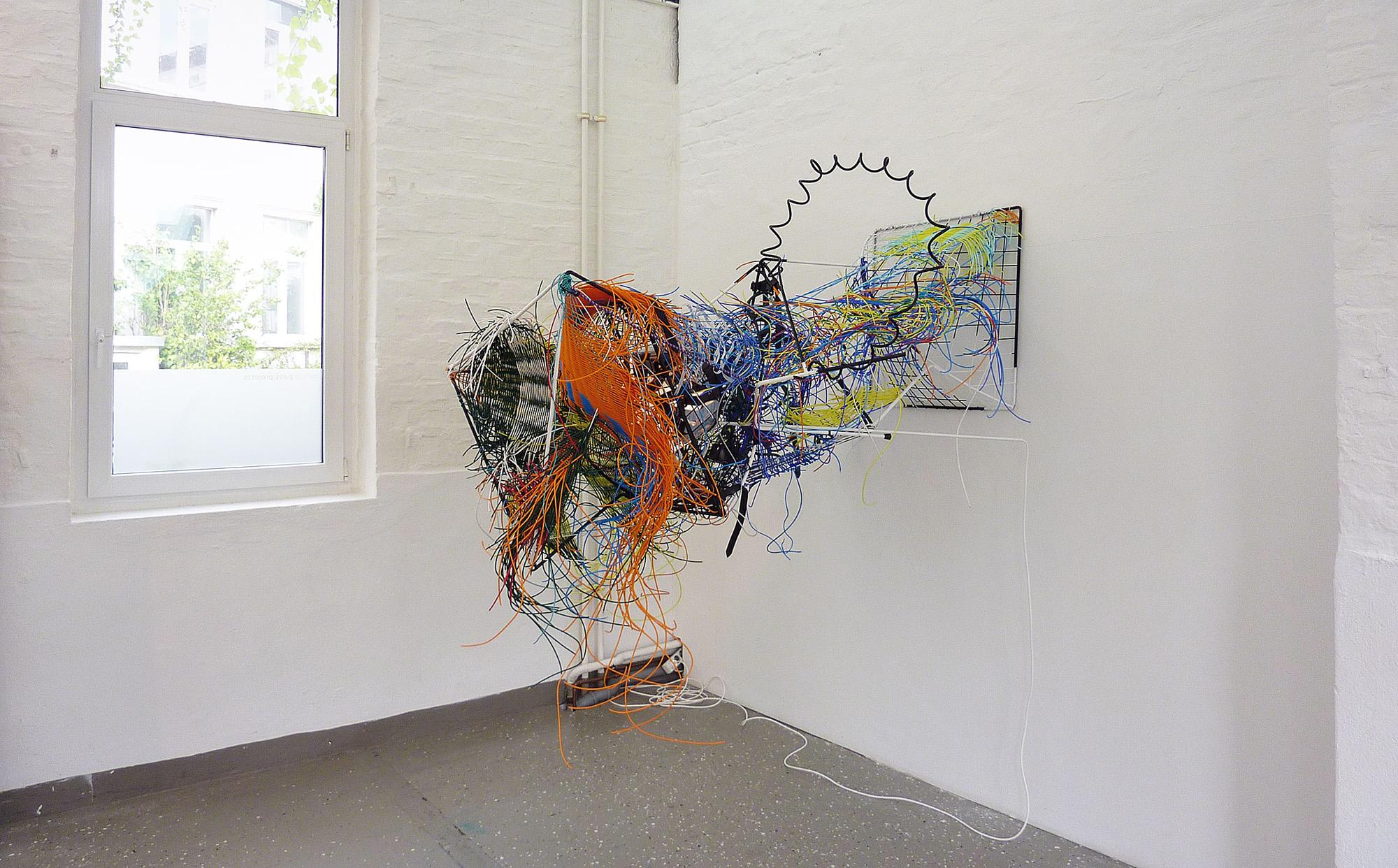 """""""Gestalt in höherer Auflösung"""" 2011; 180 x 190 x 140 cm"""