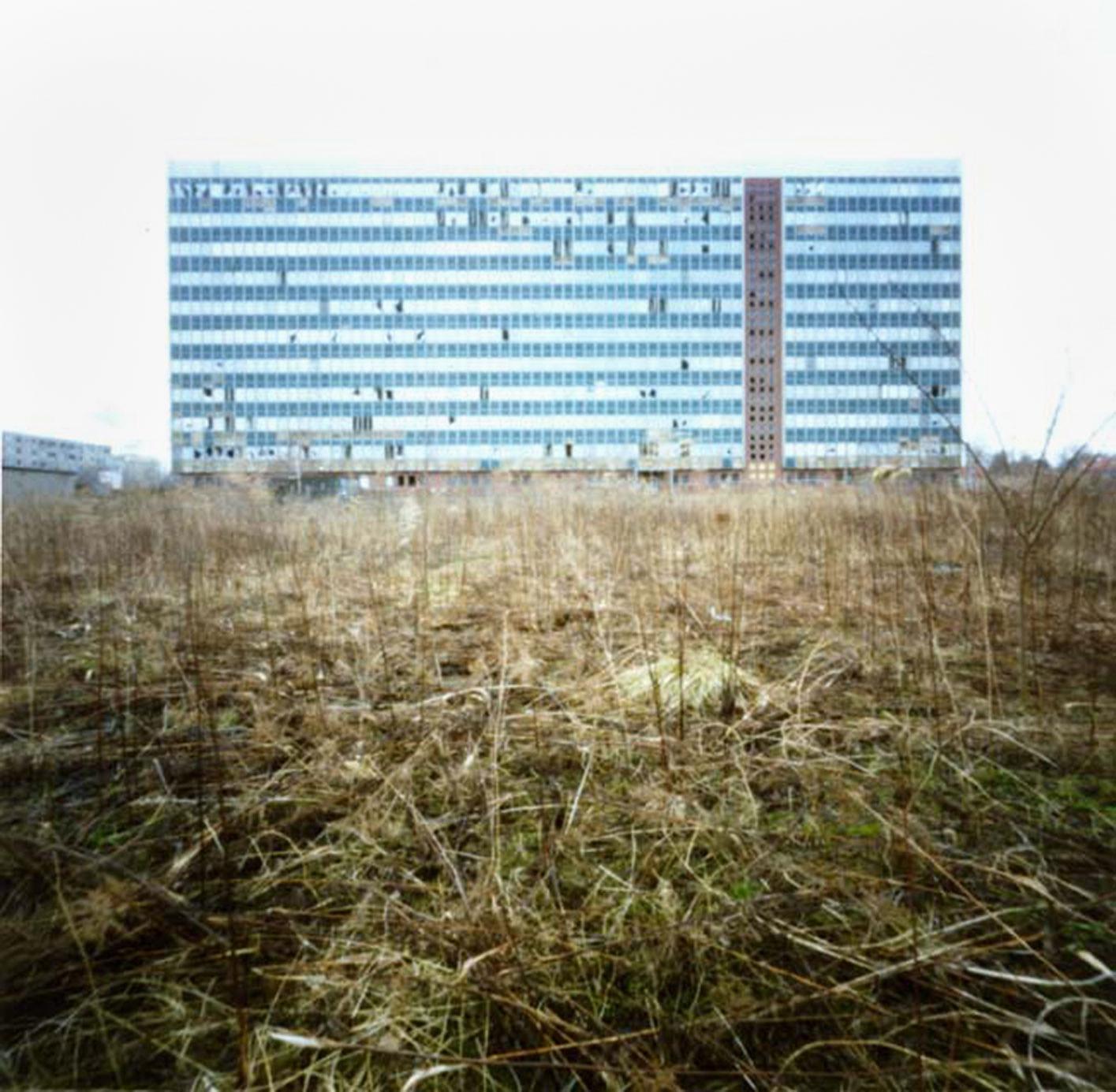 """Das blaue Haus"" 2011; 28 x 28 cm, C-Print"