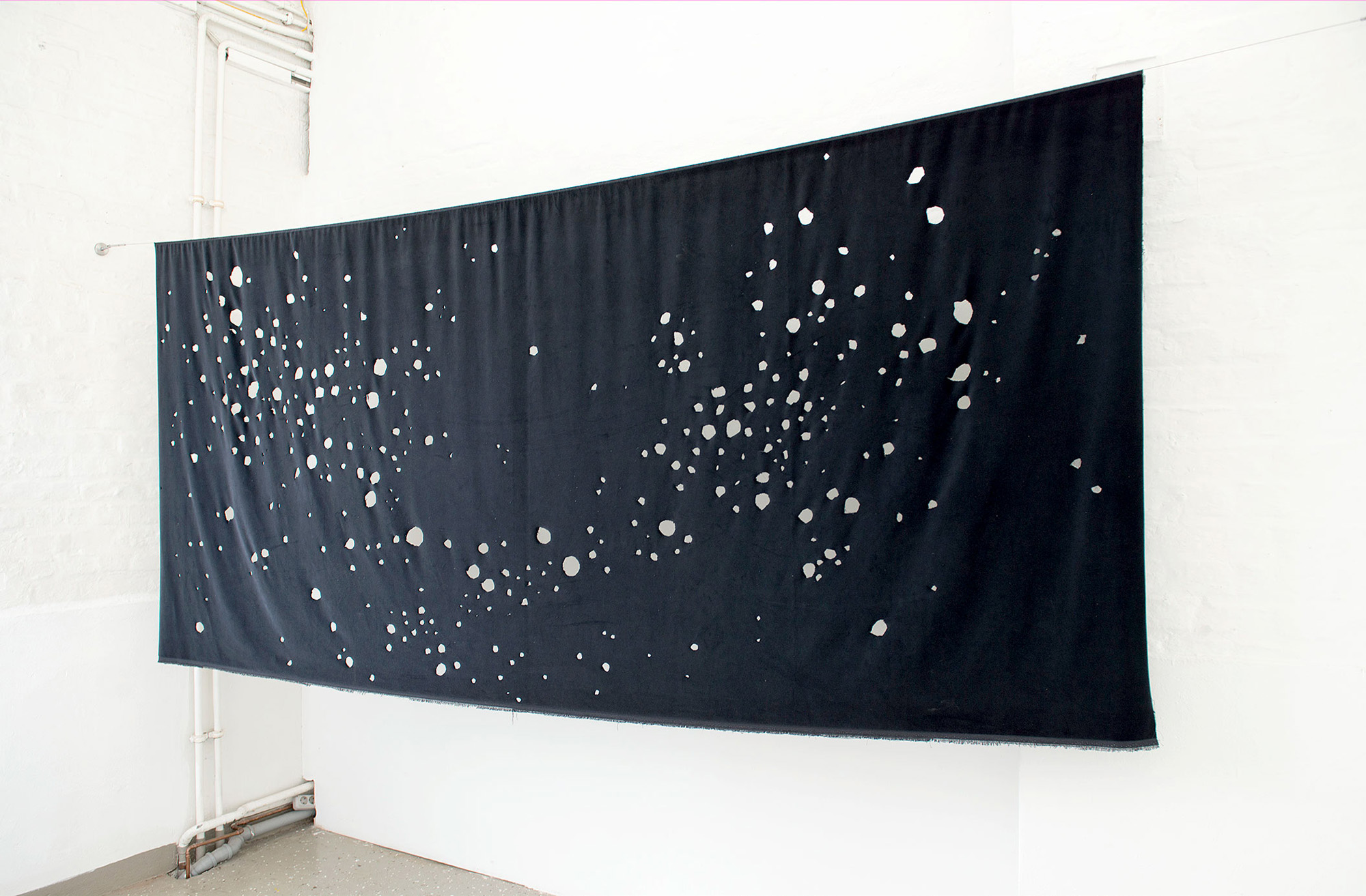 Cutting out the Stars 2014; 350 x 150 cm