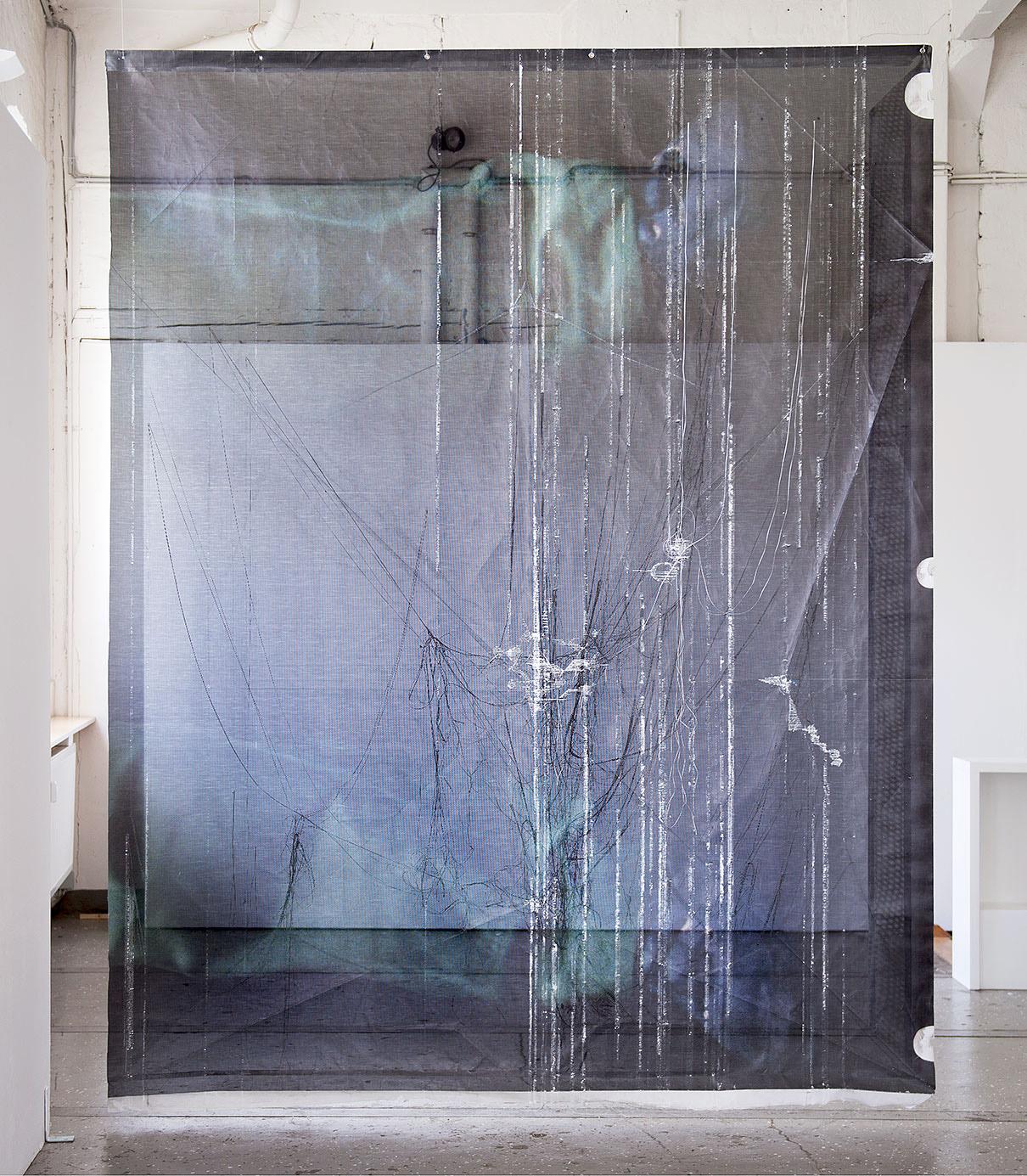 """""""Auf zwei Beinen"""" 2015; 310 x 244 x 10 cm"""