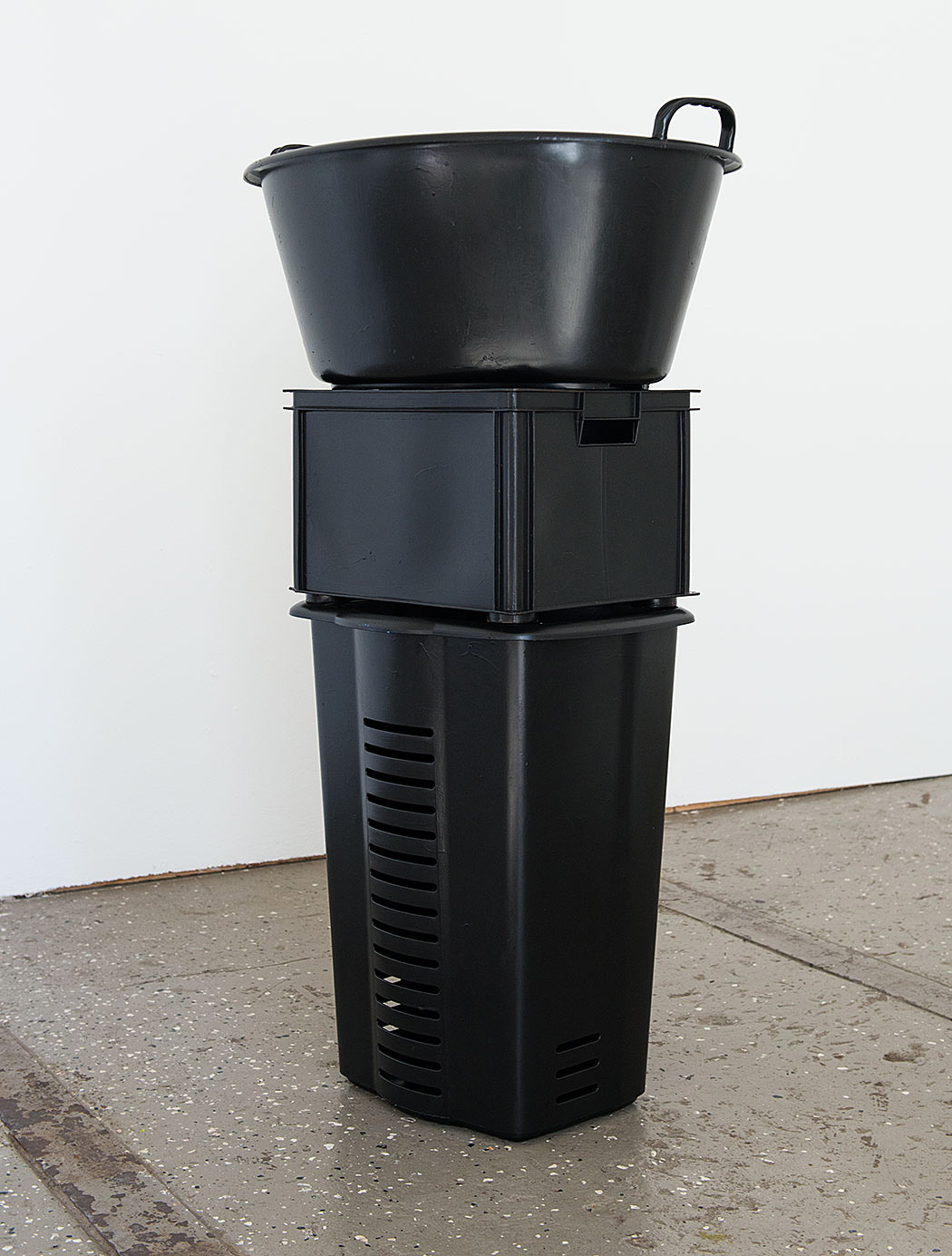 o.T._2017 Lack_Kunststoff_118 x 66,5 x 49 cm