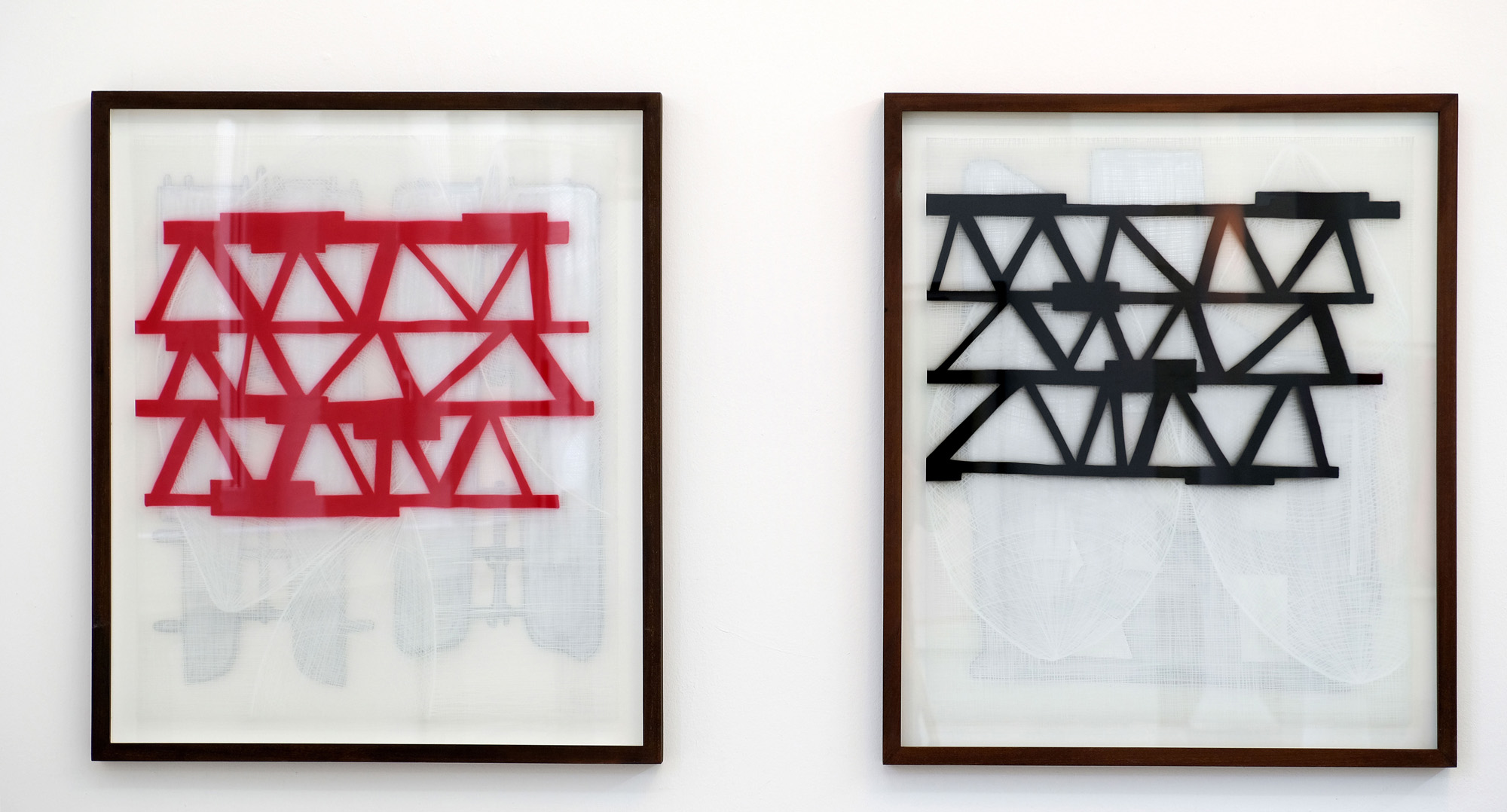Links: Re-Entry 110 x 94 cm, 2011; Rechts: The Ark, 110 x 94 cm, 2011
