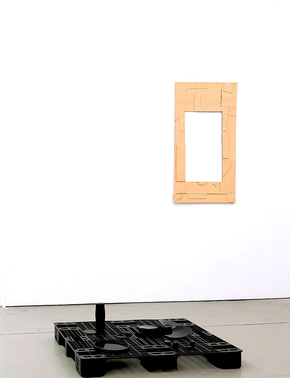 Unten: o.T. 2019; 82 x 102 cm Wand: o.T. 2019; 108 x 65 cm